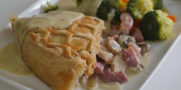 Chicken, Bacon & Mushroom Pie Recipe