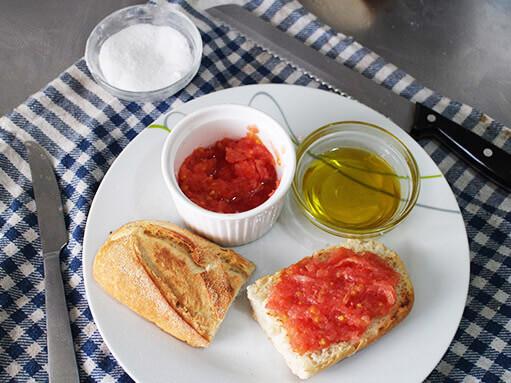 Pan con Tomate - Toast with Tomato Recipe