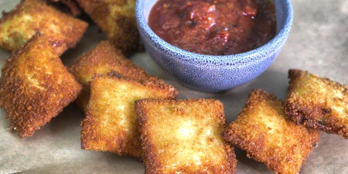 Toasted Ravioli (T-ravs) with Tomato Sauce Recipe